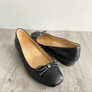 Naturalizer Gertie Black Leather Women's Flats